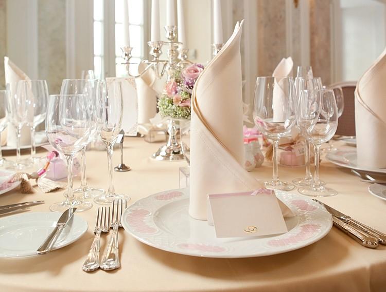 tischdeko Hochzeit klassisch